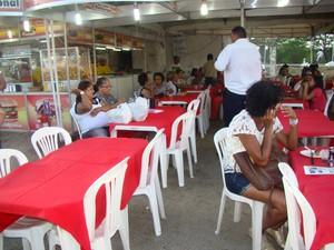 Lanchonete conta com equipe de 26 funcionários (Foto: Jaqueline Almeida/G1 Caruaru)