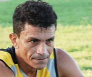 Edmundo, atacante do Esporte de Patos (Foto: Felipe Gesteira)