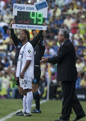 Ronaldinho, Querétaro x América-MEX mexicano (Foto: Agência AP)