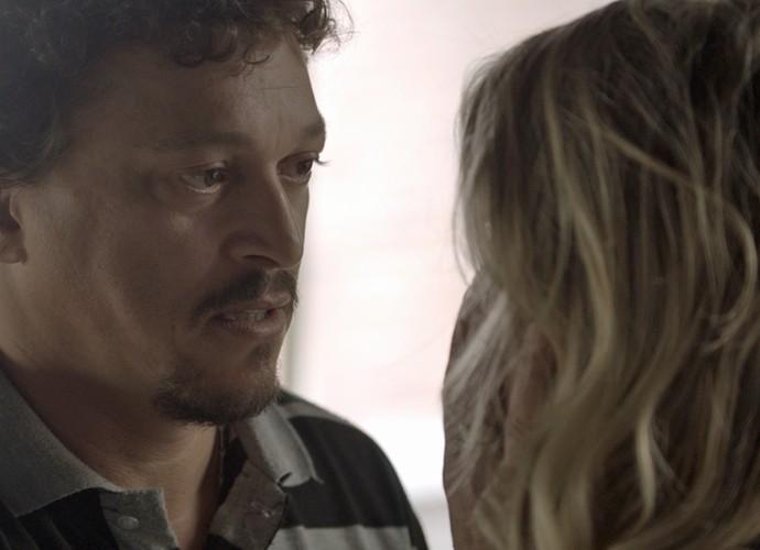 Oziel diz que ama Tina (Foto: TV Globo)