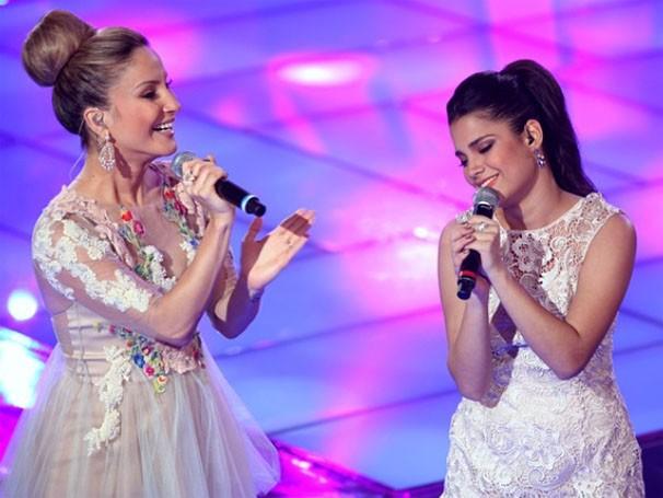 Juntas, Claudia Leitte e Ana Rafaela cantaram 'Bem Vindo Amor' na final (Foto: Reprodução/TVMO)