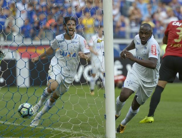Sassá; Hudson; Cruzeiro