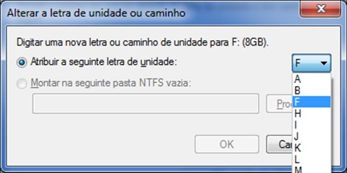 Altere a letra da unidade do pendrive para que ele passe a ser reconhecido pelo Windows  (Foto: Reprodução/Dario Coutinho)