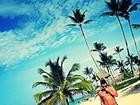 Thiago Martins aparece sem camisa em praia de Punta Cana