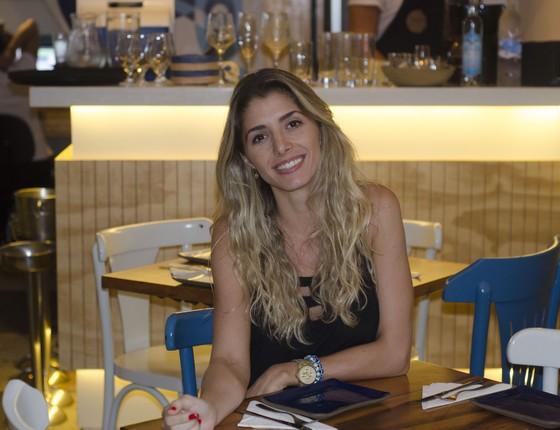 A chef e empresaria paulista Carol Peres está à frente de um dos únicos restaurantes gregos em solo carioca (Foto: Tomas Rangel)