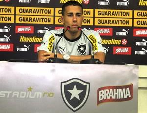 Gabriel botafogo coletiva (Foto: Raphael Marinho / Globoesporte.com)
