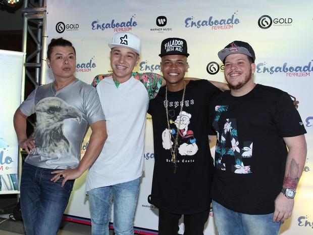 David Brazil, MC Gui, MC Duduzinho e Ferrugem em festa no Rio (Foto: Alex Palarea/ Ag. News)