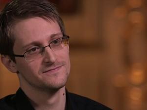 O ex-analista refugiado na Rússia, Edward Snowden, em entrevista ao comediante inglês John Oliver