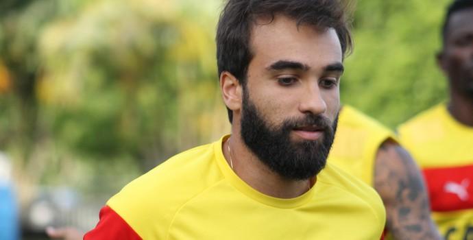 Gabriel Xavier meia do Vitória (Foto: Maurícia da Mata / Divulgação / EC Vitória)