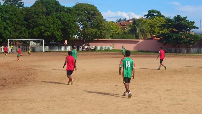 Jogadores do sub 17 do Flamengo durante o último treino antes da estreia. (Foto: Weldon Luciano  - GloboEsporte.com)