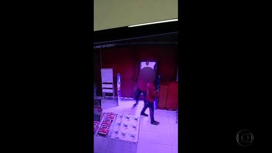 Vídeo mostra assalto a loja de departamento alvo de quadrilha presa pela polícia
