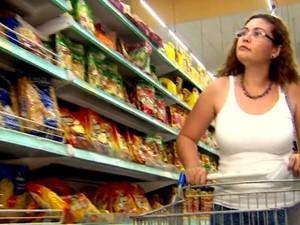 Preço da cesta básica sobre 5 vezes em um ano em Piracicaba (Foto: Reprodução/ EPTV)