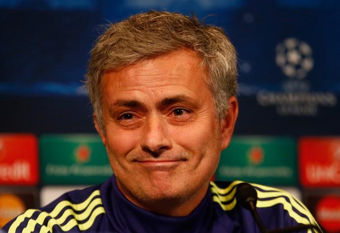 José Mourinho na entrevista coletiva do Chelsea (Foto: Getty Images)