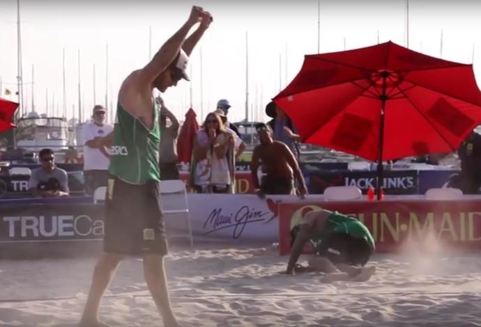 Alison Bruno Schmidt Vôlei de Praia (Foto: Reprodução / Youtube)