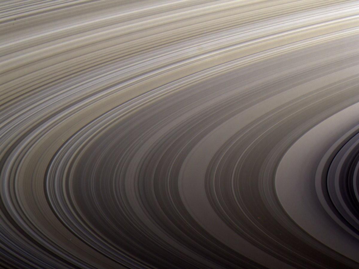 Aproximação dos aneis de Saturno por Cassini (Foto: NASA/JPL-Caltech/SSI/Kevin M. Gill)
