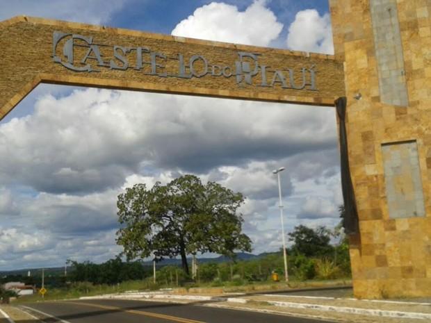 Prefeitura de Castelo do Piauí decretou luto oficial de três dias (Foto: Gilcilene Araújo/G1)