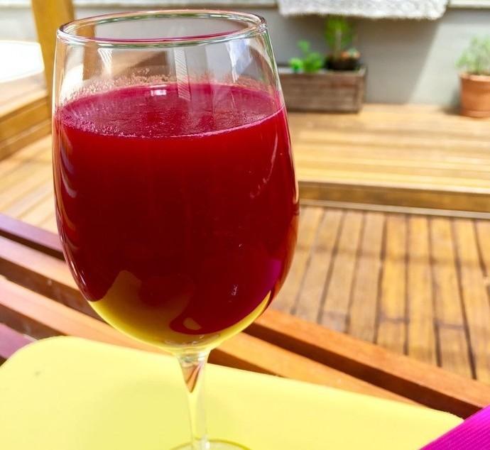 Suco Pink Mistura com Rodaika (Foto: Rodaika / RBS TV)
