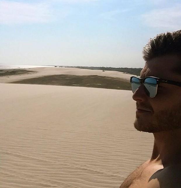 Klebber Toledo durante passeio por dunas de Jericoacoara, no Ceará (Foto: Reprodução/Instagram)
