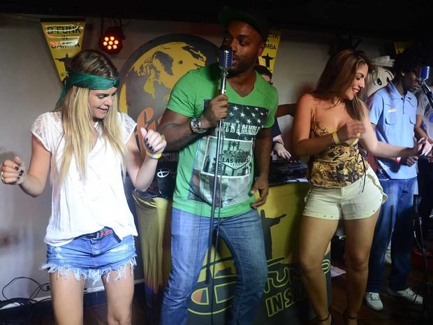 Lívia Lemos e a ex-BBB Anamara em festa no Rio (Foto: Ari Kaye/ Divulgação)