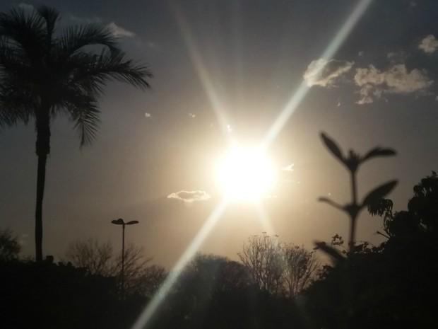 Céu na tarde desta terça-feira (2) em Campo Grande (Foto: Ronie Cruz/G1 MS)