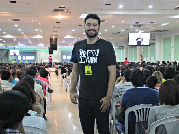Cantor Lincoln Borges é um dos líderes do Eu Resolvi Esperar (Foto: Adneison Severiano/G1 AM)