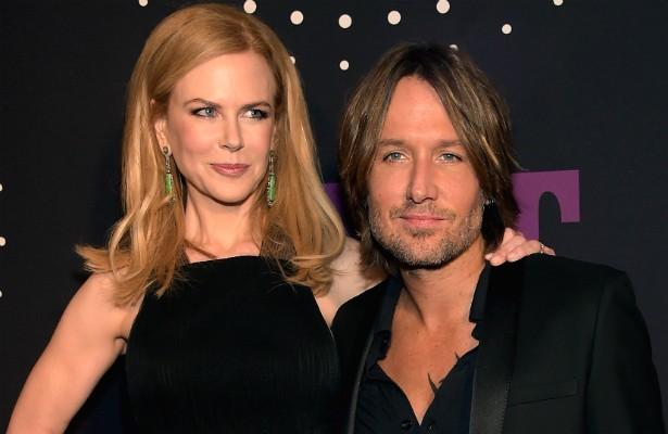 O cantor country Keith Urban já disse que a vida dele só começou após conhecer Nicole Kidman. Além disso, o músico escreve cartas de amor para a atriz todos os dias em que não dormem juntos. (Foto: Getty Images)