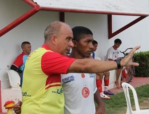 Diguinho, lateral-esquedo do 4 de Julho (Foto: Wenner Tito/GLOBOESPORTE.COM)