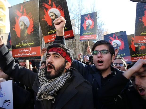 A tensão entre Arábia Saudita e Irã escalou com execução de clégico xiita (Foto: AP Photo/Vahid Salemi)