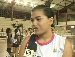 Mariana, central de apenas 16 anos do time de Resende (Foto: Reprodução /TV Rio Sul)