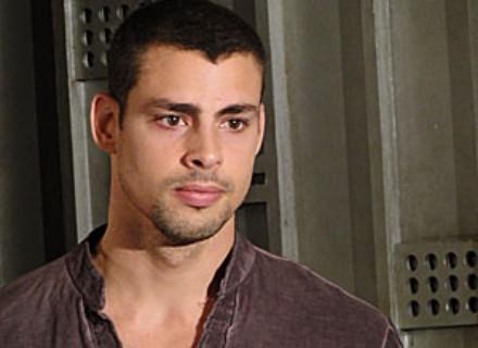 Danilo viveria um vazio interior, analisa o ator Cauã Reymond