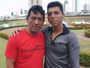 Francisco contou que teve que carregar seu sobrinho, Alex, até pelo cabelo (Foto: Daniel Peixoto/G1)