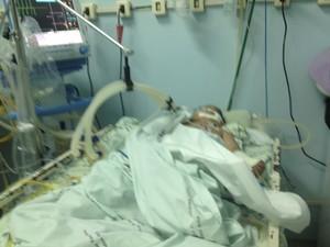 Criança espera há um mês por cirurgia (Foto: Arquivo da família )