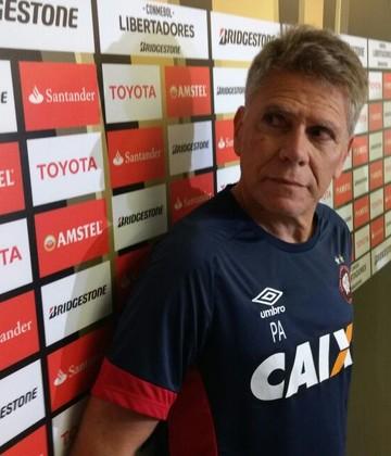 paulo autuori atlético-pr maracanã (Foto: Thiago Benevenutte / GloboEsporte.com)