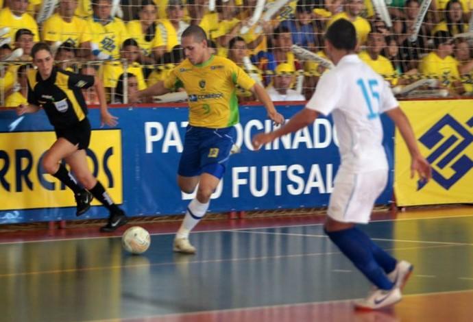 Ferrão futsal (Foto: Zerosa Filho / CBFS)