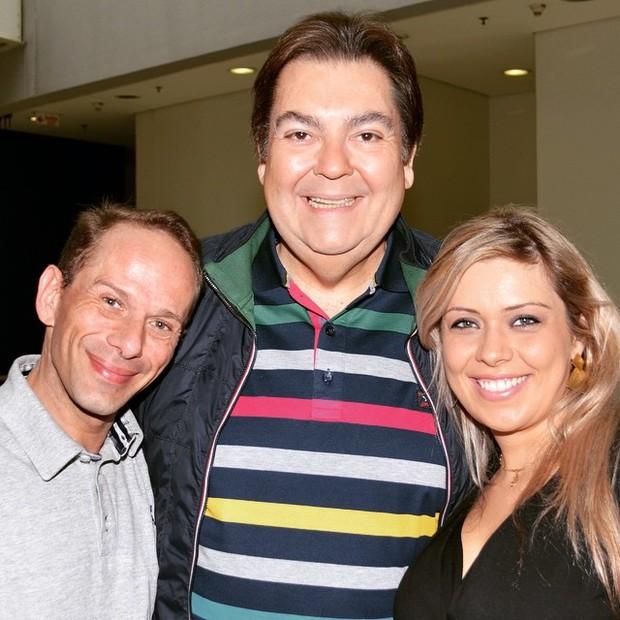 Rafael Ilha, com a mulher e Fausto Silva (Foto: Reprodução/Instagram)