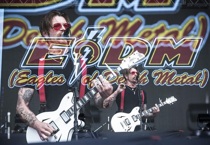 Jess Hughes, do EODM, em apresentação recheada de rockabilly, no Lolla (Foto: Raphael Dias/Gshow)