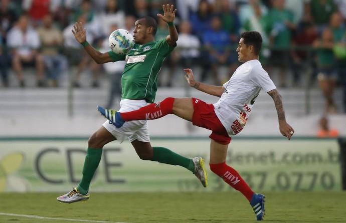 Régis, Guarani x Boa Esporte (Foto: Ari Ferreira/ GloboEsporte.com)