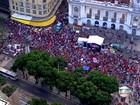 Manifestantes se reúnem no Centro do Rio contra impeachment de Dilma