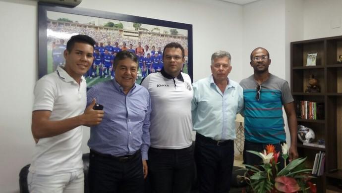 Fernando, lateral-esquerdo e zagueiro do Central (Foto: Divulgação / Central)