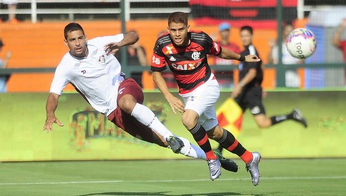 Diego Souza - Cuéllar - Flamengo - Fluminense (Foto: Marcos Ribolli)