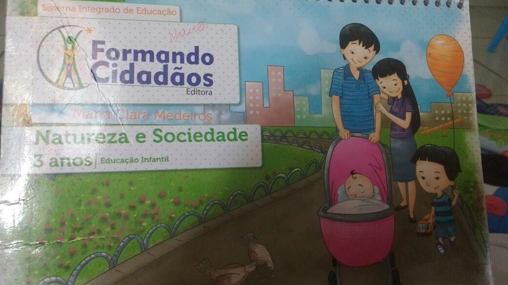 Capa da apostila da Editora Formando Cidadãos (Foto: Arquivo pessoal)