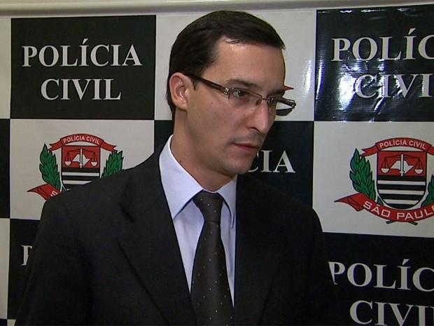 O delegado Rodrigo Pimentel Bortoleto ouviu o comandante da GCM de Barrinha nesta quarta-feira (11) (Foto: Maurício Glauco/EPTV)