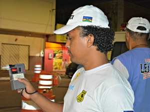 Lei Seca, bafômetro Porto Velho RO (Foto: Hosana Morais/G1)