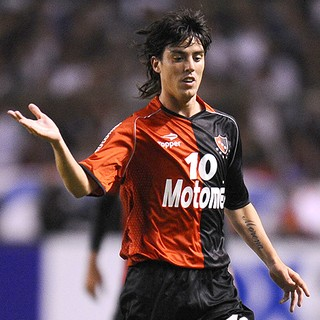 Mauro Formica na partida do Newell´s Old Boys (Foto: AFP)