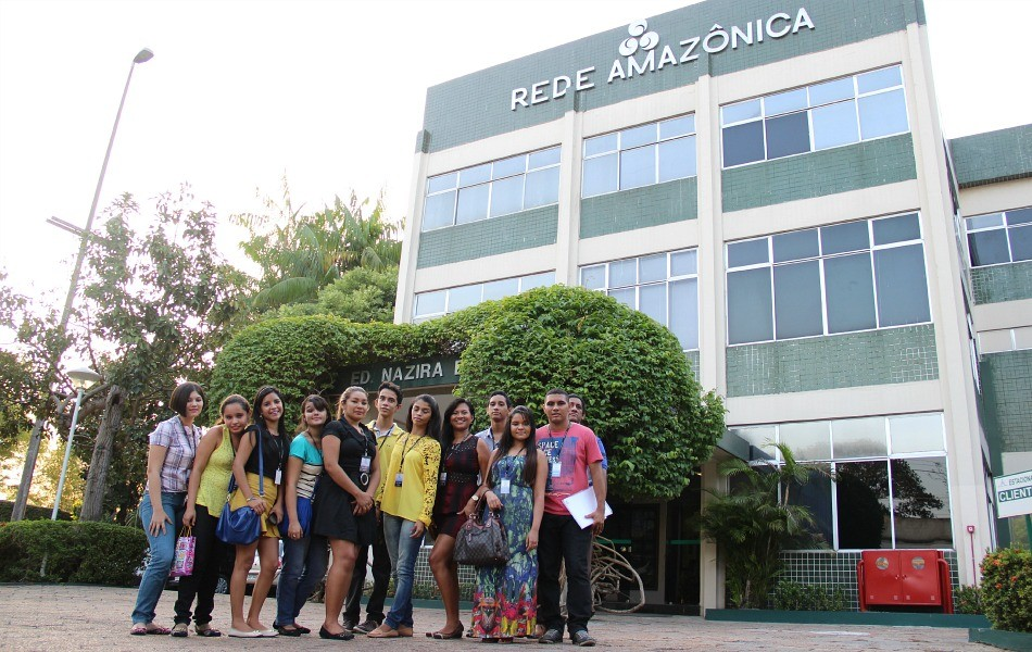 Ganhadores de campanha visitam TV Amazonas (Foto: Katiúscia Monteiro/ TV Amazonas)