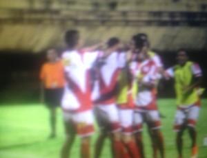 Juventude comemora gol sobre o Imagine no estádio Nílton Santos (Foto: Vilma Nascimento/GLOBOESPORTE.COM)