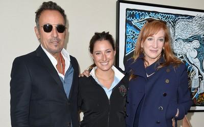 Bruce Springsteen ao lado da esposa Patti Scialfa e da filha Jessica Springsteen (Foto: Agência Getty Images)
