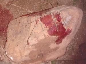 Suspeito bateu cabeça da vítima em pedra, afirma polícia (Foto: Divulgação/ PM Ribeirão Branco)