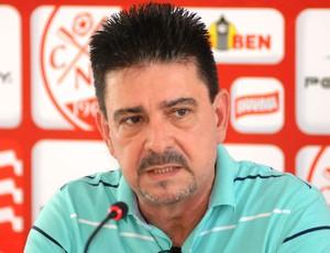 Armando Ribeiro, diretor de futebol do Náutico (Foto: Aldo Carneiro)