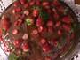 Bolo de mel com chocolate e morango: veja como fazer